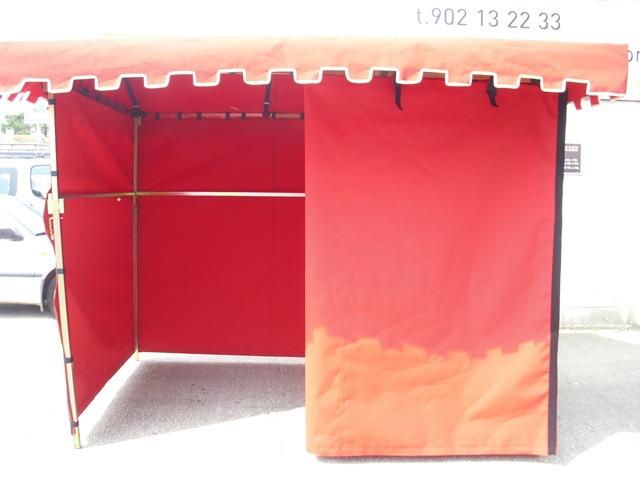 En TGM nos adaptamos a las necesidades del cliente, esta vez, confeccionando una lona para un puesto medieval