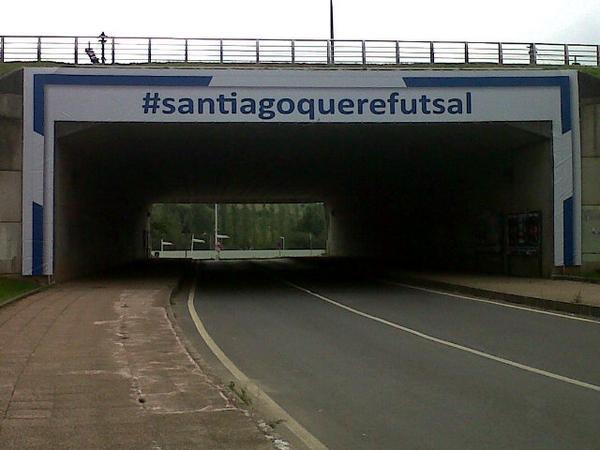 Lona impresa en digital por TGM para #Santiagoquerefutsal