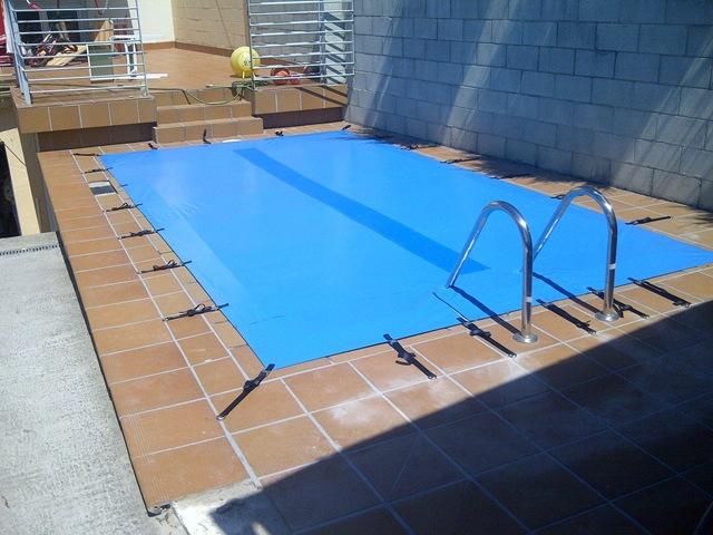 Diferentes modelos para las diferentes formas de sus piscinas