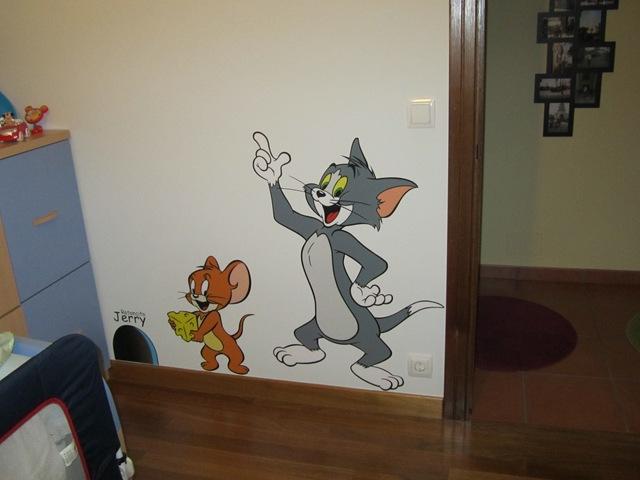 Tom y Jerry en vinilo realizados con impresión digital y troquelados