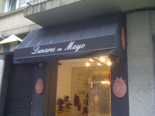 Lunares de Mayo, una nueva tienda para niños en Santiago de Compostela la cual ha confiado en TGM la confección de su capota