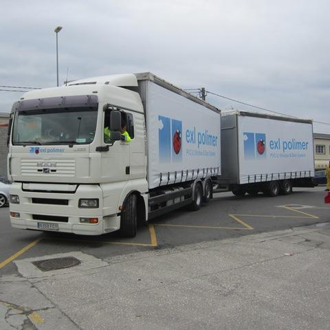 Exl Polimer ha confiado a TGM la confección e instalación de los laterales y la parte trasera de su camión tautliner
