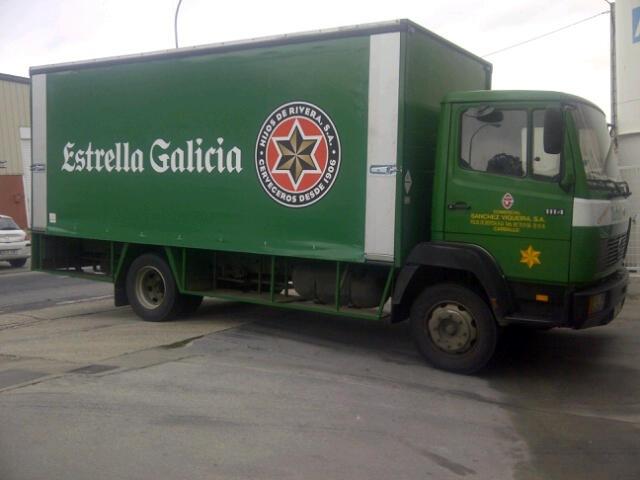 Lonas de PVC para el camión botellero de Estrella Galicia