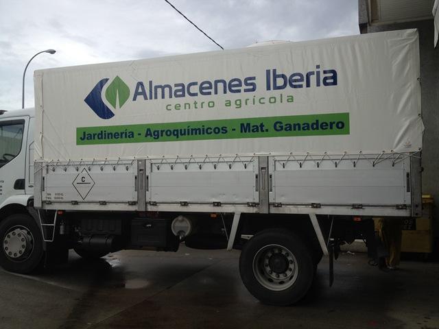 Lona para camión en PVC rotulada al gusto del cliente