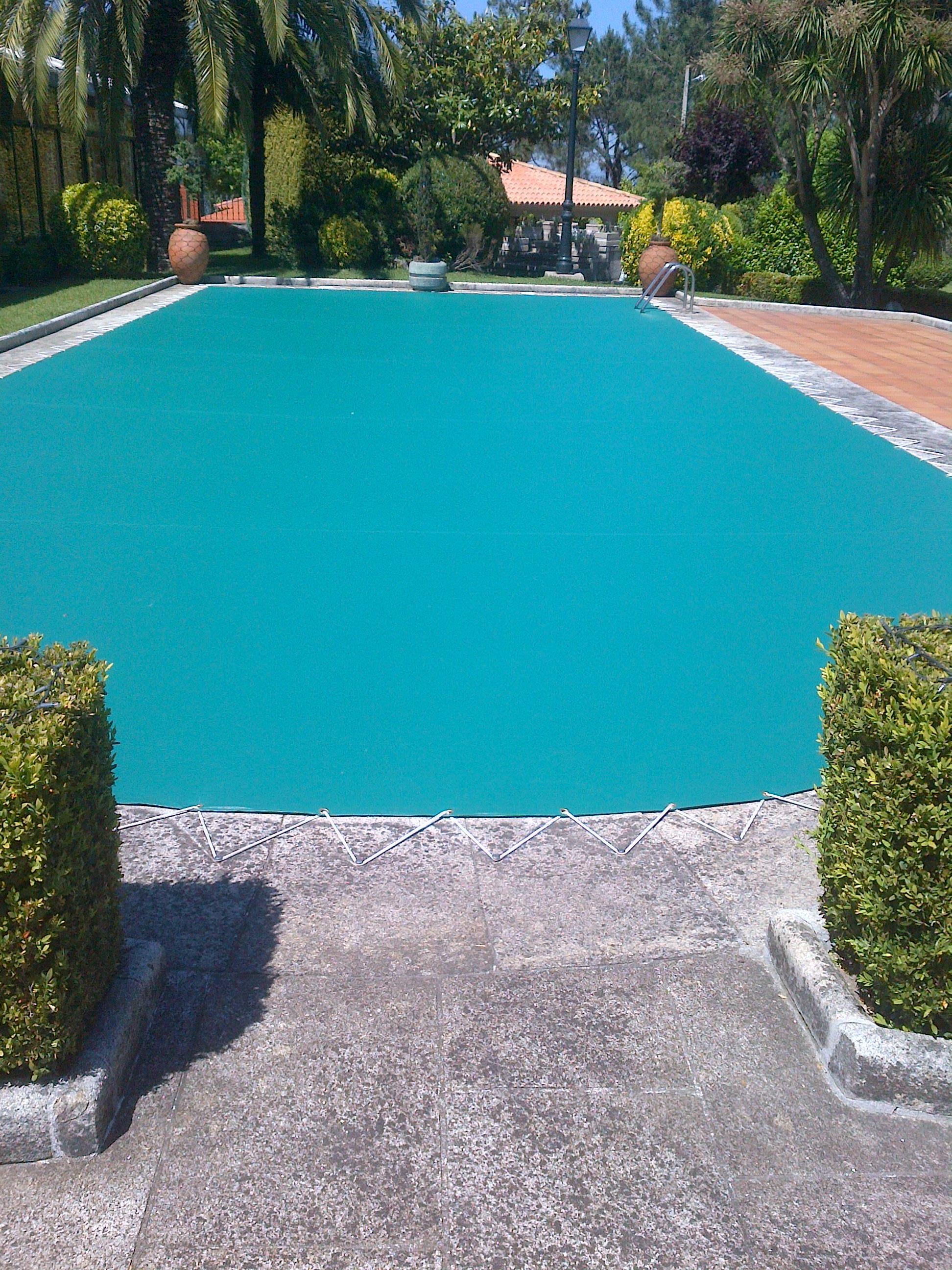 Cubierta de piscina en PVC.